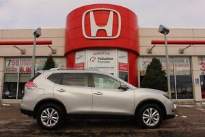2015 Nissan Rogue SV - SPORTY AND SPACIOUS - PLENTY OF FEATURES
