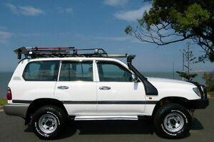 2002 Toyota Landcruiser HZJ105R GXL White 5 Speed Manual Wagon South Gladstone Gladstone City Preview
