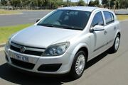 2005 Holden Astra AH MY05 CD Silver 4 Speed Automatic Hatchback West Footscray Maribyrnong Area Preview