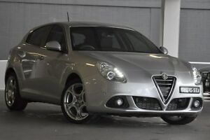 2014 Alfa Romeo Giulietta Series 1 Distinctive Argento Silver 6 Speed Manual Hatchback Artarmon Willoughby Area Preview