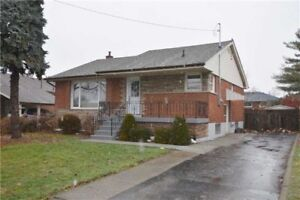 3BDRM + 1BTH Gorgeous fully renovated home with private yard