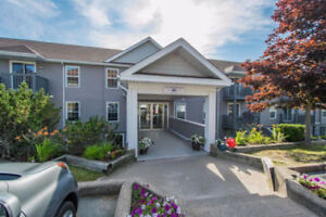 2 level condo with open concept living - 107 79 Collins Grove