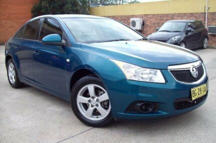 2012 Holden Cruze JH MY12 CD Green 5 Speed Manual Sedan