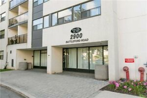 Move In Ready Suite!! 832 Sqft + 2 Beds + 2 Parkings!!