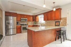 Nice and spacious Detached House in Stoney Creek