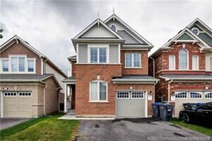 Beautiful Detached 4 Bedroom !!!!!