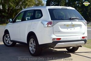 2015 Mitsubishi Outlander ZJ MY14.5 ES 2WD White 6 Speed Constant Variable Wagon Cannington Canning Area Preview