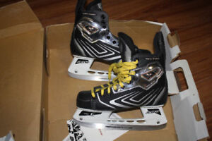 Hockey skate CCM Vector Size US 5E