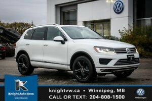 2017 Volkswagen Touareg Wolfsburg Edition w/ Leather/Nav/Backup