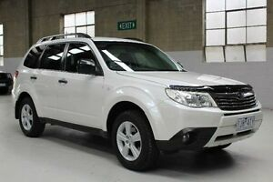 2011 Subaru Forester S3 XS White Manual Wagon Knoxfield Knox Area Preview