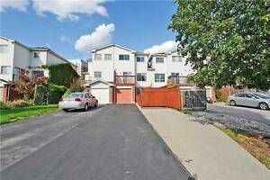 Bright And Spacious Freehold Town Home With 3 Bedrooms