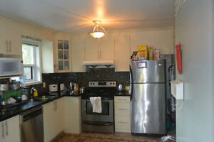 Three Bedroom Bungalow in Bay Ridges Pickering