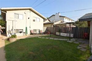 Great 4 Bedroom Bi-Level MINUTES from Downtown!
