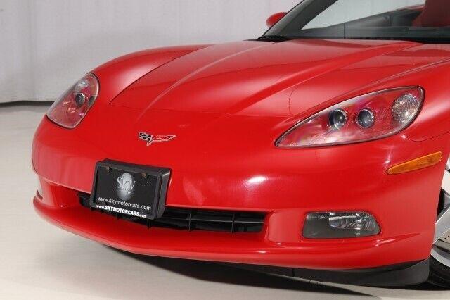 2005 Red Chevrolet Corvette Convertible    C6 Corvette Photo 4