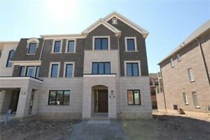 STUNNING END UNIT 4 BEDROOM TOWNHOUSE FOR RENT IN OAKVILLE