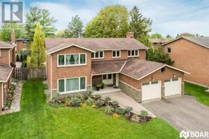 34 Greenfield Avenue Barrie, Ontario