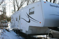 SUNNYBROOK 31.5 FT.FIFTH WHEEL TRAILER-EXCELLENT CONDITION
