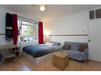 4 bedrooms in Australia Road 37, W127QE, London, United Kingdom