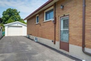 Spacious & well maintained Hamilton mountain bungalow for rent.