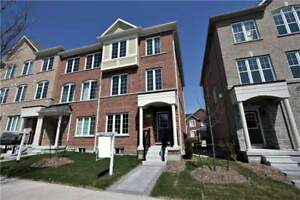 1 Year New End Unit 4Br Townhouse In Claridge Gate Community