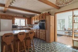 Beautiful and Spacious 3Bd House for rent in Sauble Beach!