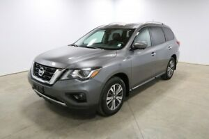 2017 Nissan Pathfinder 4WD SL Accident Free,  Navigation,  Leath