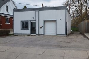 900 s.f. SHOP PLUS 500 s.f. OFFICE IN NORTH GALT