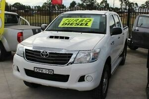 2013 Toyota Hilux KUN26R MY12 SR (4x4) White 4 Speed Automatic Dual Cab Pick-up Taylors Beach Port Stephens Area Preview