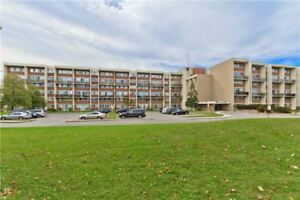 3 Bed / 2 Bath Family Size Condo In Mississauga
