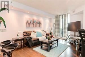 Exceptional,1+1Beds,1Bath,1 EMERALD LANE, Vaughan