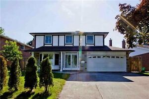 4+2 BR, 4WR Home in L'Amoreaux Huntingwood and Warden 4 Sale
