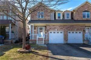 **HOUSE FOR SALE IN BRAMPTON**