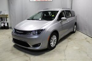 2017 Chrysler Pacifica TOURING-L Rear DVD,  Leather,  Heated Sea