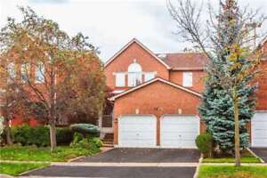 Immaculate Central Erin Mills Family Home!
