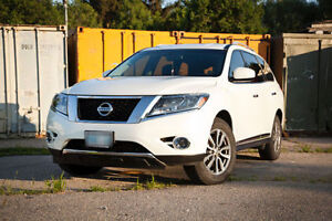 2014 Nissan Pathfinder SL 4WD - New Tires and Brakes
