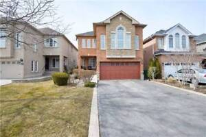 SPACIOUS 4+1Bedroom Detached House @BRAMPTON $829,900 ONLY