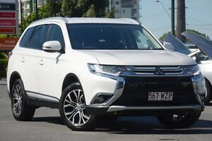 2015 Mitsubishi Outlander ZK MY16 LS 4WD Pearl White 6 Speed Constant Variable Wagon Macgregor Brisbane South West Preview
