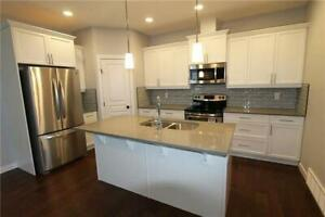 AVAILABLE Now For Rent in Grande Prairie w/ Garage 3Bed/2.5 Bath