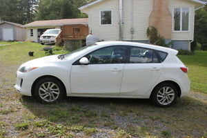 2013 Mazda Mazda3 GX Hatchback - REDUCED