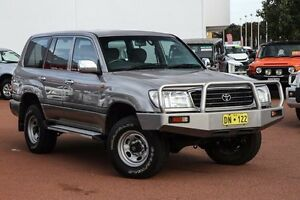 2002 Toyota Landcruiser HZJ105R GXL Silver 5 Speed Manual Wagon East Rockingham Rockingham Area Preview