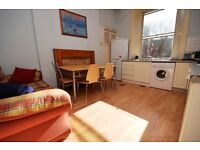 STUDENTS: Superb 3 bedroom HMO flat near the Meadows available August – NO FEES