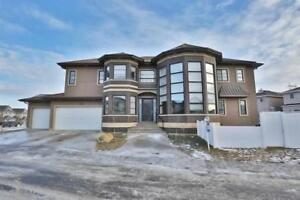 Home for Sale in Edmonton, AB (5bd 5ba)