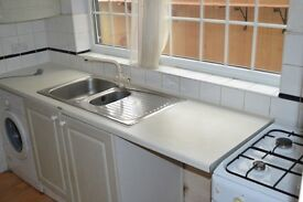 Fantastic Spacious 4 Bedroom House in Plaistow + Fitted Kicthen & Big Garden!