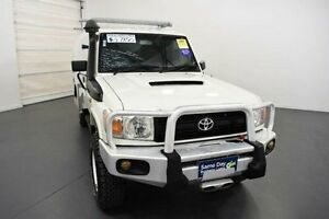 2011 Toyota Landcruiser VDJ78R 09 Upgrade Workmate (4x4) 11 Seat White 5 Speed Manual TroopCarrier Moorabbin Kingston Area Preview