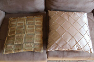 2* sets of 4 cushions with inner