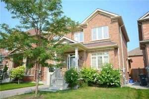 A Fully Great 3 Bed, 2 Bath Detached Home In Credit Valley Area