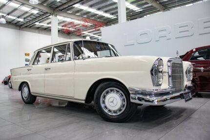 1965 Mercedes-Benz 220 S White 4 Speed Automatic Sedan Port Melbourne Port Phillip Preview