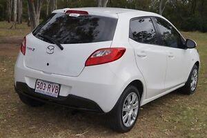 2011 Mazda 2 DE10Y1 MY10 Neo White 5 Speed Manual Hatchback Bundaberg West Bundaberg City Preview
