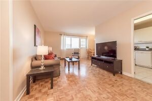 3 bedroom condo with all inclusive 2 parkings