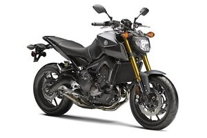 Recherche Yamaha FZ-09 2015 / Looking for 2015 Yamaha FZ-09